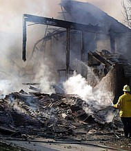CONSECUENCIAS. La zona afectada se encuentra a 140 kilómetros de distancia de la capital del California y a unos 280 kilómetros del área de la Bahía de San Francisco.