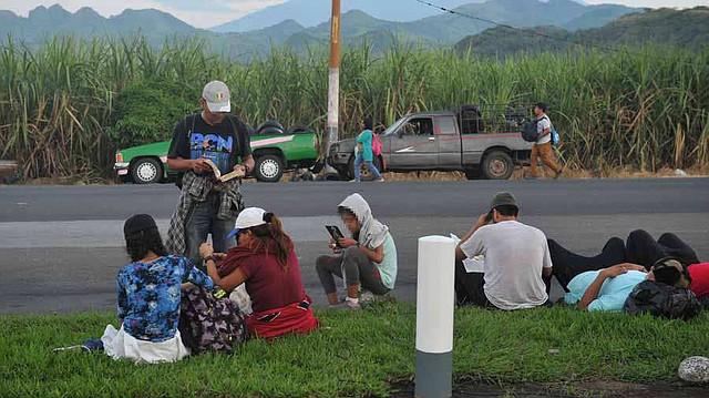 MIGRACIÓN. Los salvadoreños de la segunda caravana dicen huir de la pobreza y de la violencia en su país