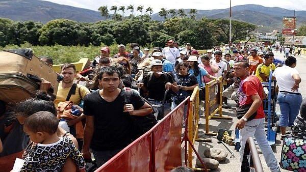 """INMIGRACIÓN. """"Solo la cancillería del Ecuador ha destinado unos tres millones de dólares para atender a los venezolanos"""", precisó Flores."""