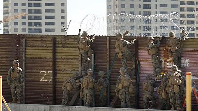Algunos automovilistas que frecuentan ambos lados de la frontera dijeron haber experimentado demoras más altas a lo habitual y se sorprendieron al ver la presencia de soldados en las inmediaciones de la garita.
