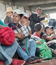 DIFICULTADES. Donald Trump ordenó limitar las opciones para solicitar asilo en la frontera con México. Quienes ingresen al país de forma irregular no podrán conseguirlo.