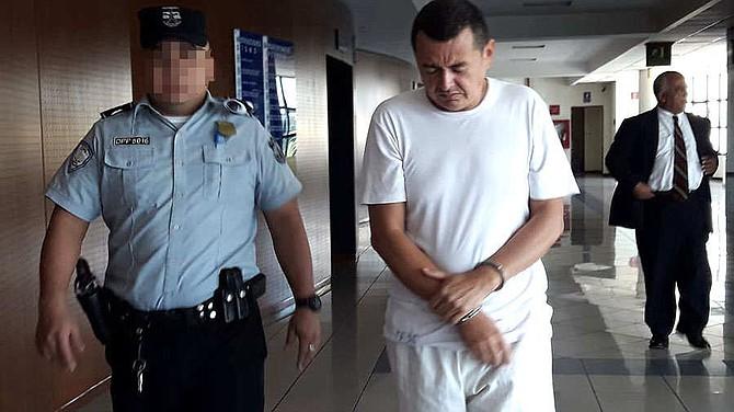 EL SALVADOR - El exdiputado José Salvador Cardoza López, esta mañana, en un receso del juicio.