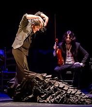 LIBERTAD. REDITUM lleva intrínseco un mensaje de libertad, la misma libertad que siente José Barrios cuando baila