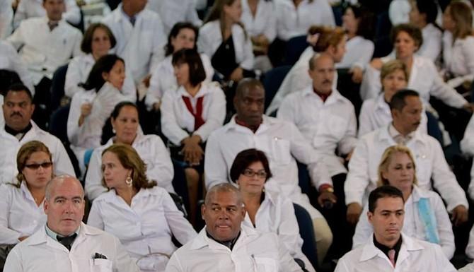 POLÍTICAS. El Gobierno cubano ordenó el retiro de los médicos de su país en Brasil al rechazar lo que considera referencias directas, despectivas y amenazantes a la presencia de los galenos.
