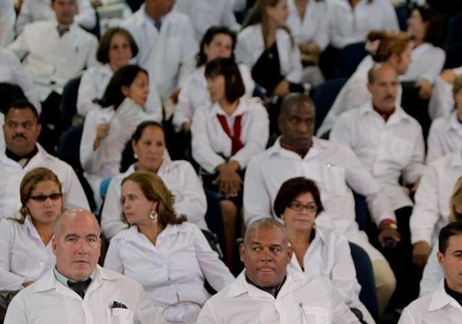 Más de 4 mil médicos cubanos han retornado de Brasil a su país