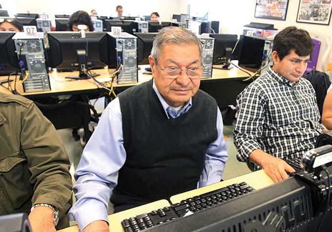Computadoras y empleos  en la biblioteca