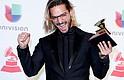 SHOW, Maluma con el premio al Mejor Álbum Pop Vocal Contemporáneo en la 19a ceremonia anual de los Premios Grammy Latinos en el MGM Grand Garden Arena en Las Vegas, Nevada