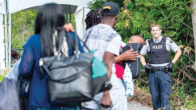 Más estadounidenses piden refugio a Canadá