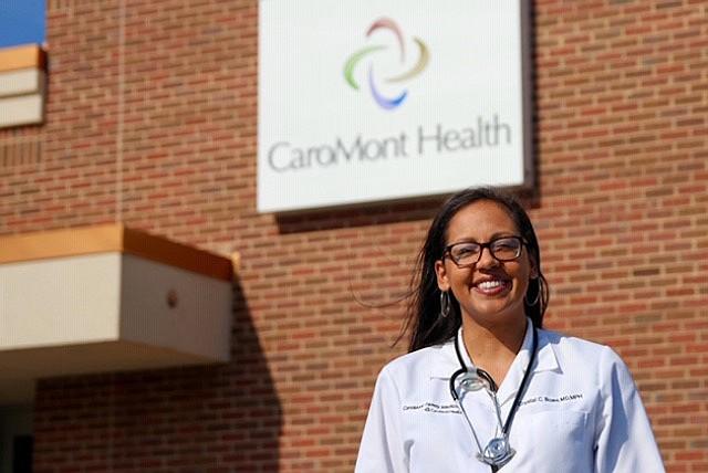 La doctora Crystal Bowe, quien ejerce en Carolina del Norte y Carolina del Sur, dijo que ocasionalmente le receta antibióticos a las parejas de sus pacientes, pero le preocupa sobre posibles alergias o efectos secundarios.