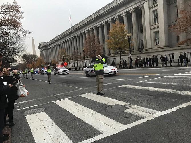 G And 15th street durante los honores al ex presidente George H. W. Bush en DC