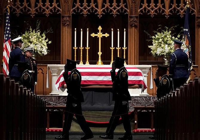 Cuerpo de George H. W. Bush arribó a Texas para un último adiós