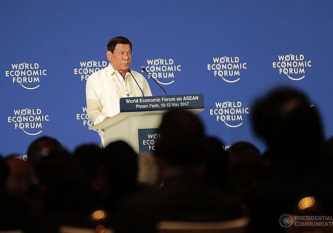 """Presidente de Filipinas promueve el asesinato de obispos católicos porque los considera """"inútiles"""""""