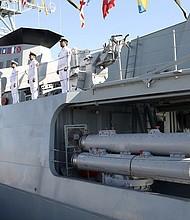 Nuevo destructor de origen nacional iraní Sahand en el puerto sur de Bandar Abbas, Irán