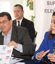 EL SALVADOR. El presidente de Tribunal Supremo Electoral, Julio Olivo, acusó a Nuevas Ideas y a GANA por irrupción en la sede del tribunal