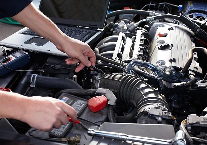 Conoce cómo proteger tu carro con revisiones prácticas, periódicas  y sencillas
