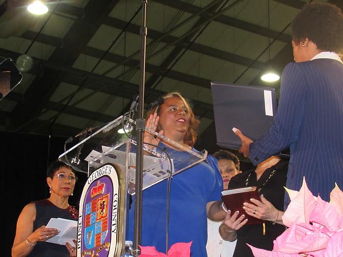 Deni Taveras, juramenta para servir un otro término como concejal del Distrito 2.