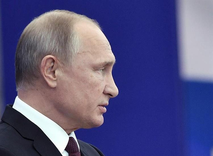 Presunta espía rusa se declara culpable de conspirar contra Estados Unidos