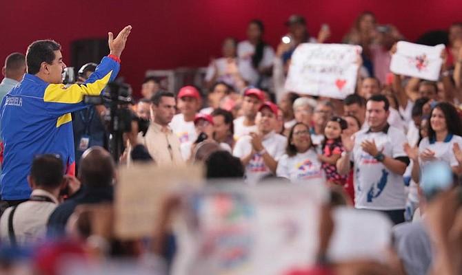 CIERRE. El régimen venezolano, a través de testaferros y personas cercanas al círculo de poder, se ha apoderado de medios como El Universal y Últimas Noticias, narró Miguel Henrique Otero, quien también se negó a vender El Nacional, pese a que en dos oportunidades le ofrecieron comprárselo.