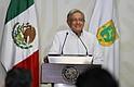 ANUNCIOS. El nuevo Gobierno calcula que el próximo año México crecerá 2%, la inflación se establecerá en 3,4%, el tipo de cambio se ubicará en 20 pesos por dólar y el precio del petróleo será, en promedio, 55 dólares por barril.