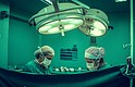 Los implantes de seno son solo un ejemplo de cómo los hospitales aumentan significativamente el costo de los dispositivos médicos.