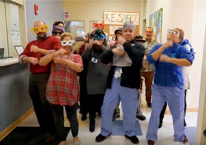 Divertido vídeo puso a bailar a los empleados de un centro de salud en East Boston