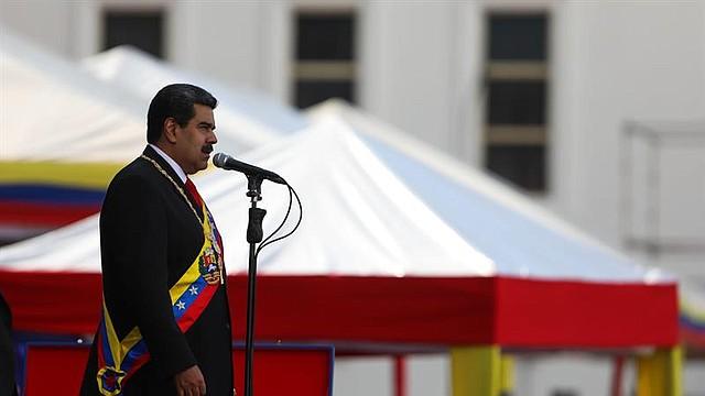 POLÍTICA. El presidente de Venezuela, Nicolás Maduro, habla durante una ceremonia de juramentación de las Fuerzas Armadas como presidente para un segundo período de gobierno que lo mantendrá en el poder hasta el año 2025