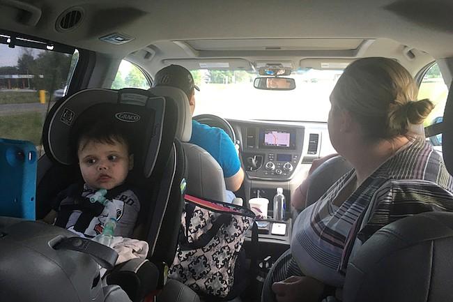 La familia Moreno debe conducir cuatro horas hasta el C.S. Mott Children's Hospital en Ann Arbor, Michigan, en donde los médicos revisan los pulmones, y riñones de Anderson de manera periódica.