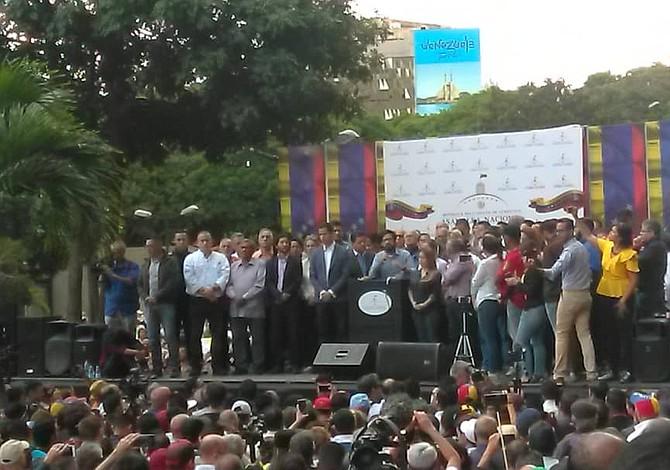 Presidente del Parlamento venezolano asumirá funciones del Poder Ejecutivo