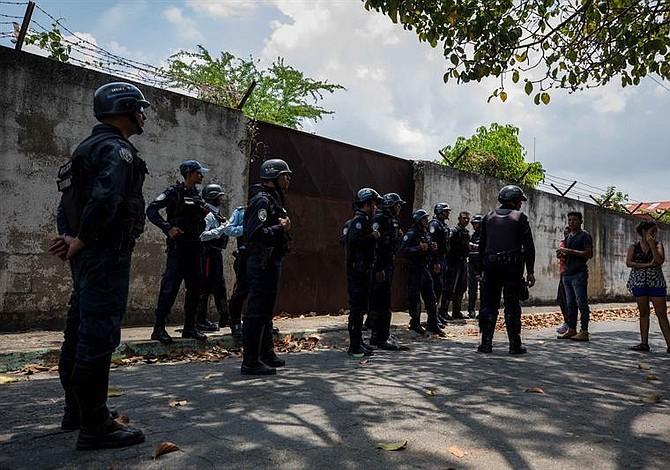 Más de 15 personas mueren asfixiadas en un centro de rehabilitación de Ecuador