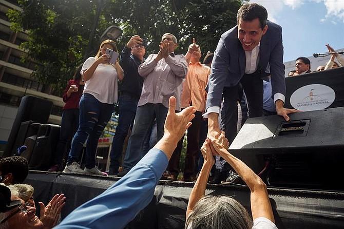 PERSECUCIÓN. Mientras el presidente del parlamento venezolano transitaba la autopista Caracas - La Guaira, llegaron los funcionarios de la policía política y lo interceptaron.