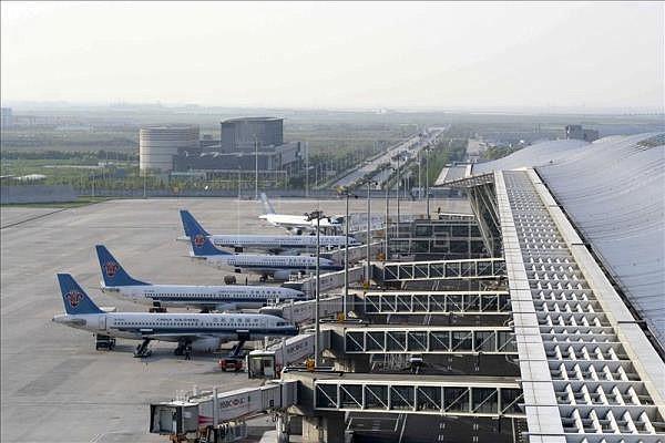 Terminal de aeropuerto de Miami cerrada parcialmente por cierre de Gobierno federal