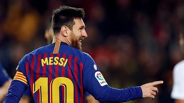FÚTBOL. El centrocampista argentino del FC Barcelona, Leo Messi, celebra el segundo gol del equipo blaugrana durante el encuentro correspondiente a la jornada 19 de primera división que disputan esta tarde frente al Eibar en el estadio del Camp Nou, en Barcelona