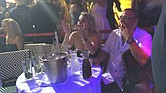 CORRUPCIÓN. Ada Mitchell Guzmán y Funes, en un bar en el extranjero