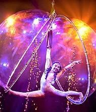 Regresa el circo acuático.