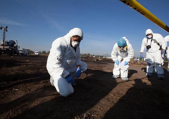 Familias de México inician proceso de identificación de personas fallecidas en la explosión de Hidalgo