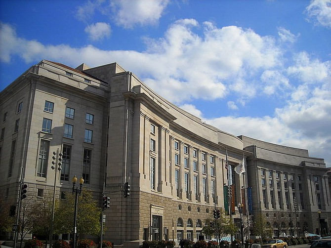 INTERNACIONAL. El Ronald Reagan Building es una edificación con un tamaño de 3 millones y medio de pies cuadrados.