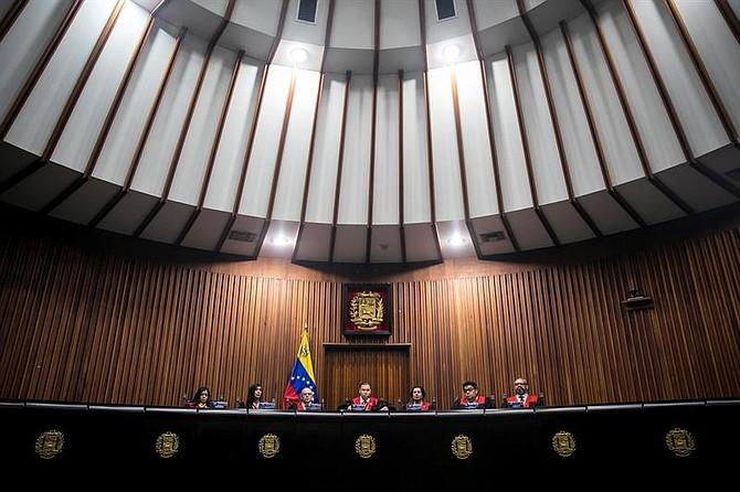 ENFRENTAMIENTO. Juan José Mendoza, presidente de la Sala Electoral del supremo dijo que el Poder Legislativo no tiene una directiva válida y que quienes están al frente, usurpan su legitimidad.