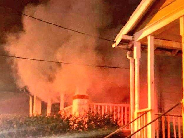 INCENDIO. Foto del siniestro ocurrido en el bloque 3400 de Brothers Place SE