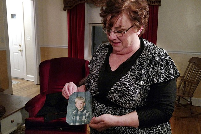 Padres desesperados renuncian a la custodia de sus hijos para que reciban atención de salud mental