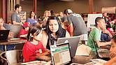 Los asistentes aprenderán lo básico de la codificación y conocerán a profesionales del sector de tecnología.