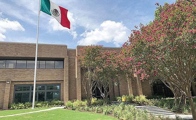 Valiosa asesoría legal gratuita en el Consulado mexicano
