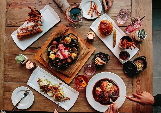 Una nueva opción para probar comida tradicional de pub de Nueva Inglaterra