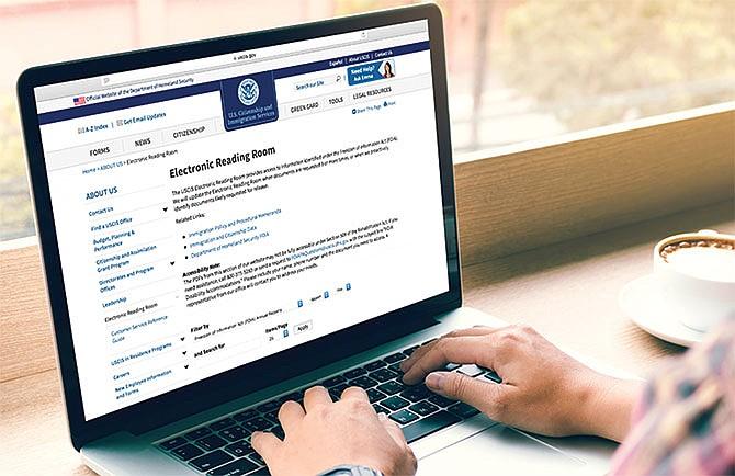 USCIS pone dos aplicaciones más disponibles en línea