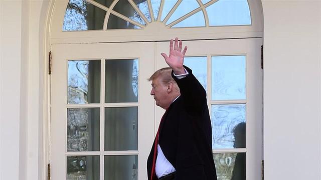 WASHINGTON. Foto del presidente Donald Trump tras declaraciones a los medios en la Casa Blanca, el 25 de enero