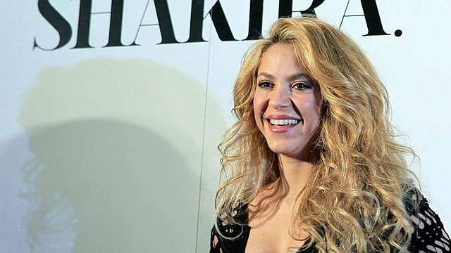 "ARTISTA. La última gira musical de Shakira fue ""El Dorado World Tour"", su sexta gira mundial que recorrió Europa, Asia, Norteamérica y Latinoamérica ofreciendo 55 espectáculos."