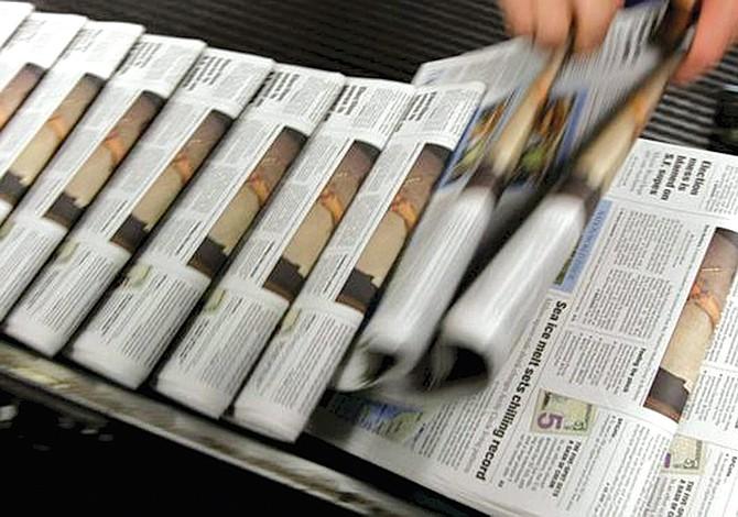 Cierre de periódicos parece polarizar al país