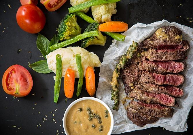 Por qué los adultos mayores deben consumir más proteína
