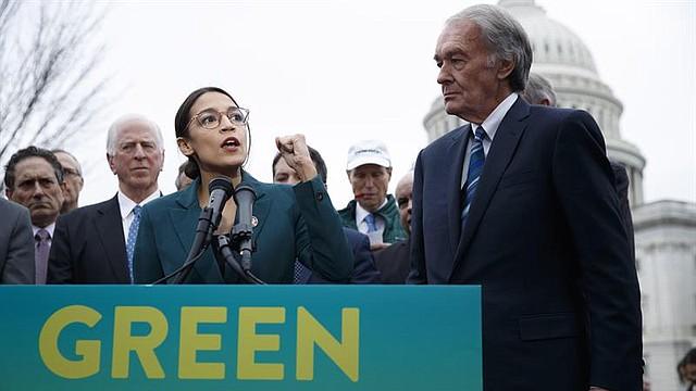 AMBIENTE. La congresista Ocasio-Cortez lanza plan para neutralizar emisiones de EE.UU.