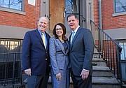 Adminsitrador de la BHA, Bill McGonagle; CEO de Inquilinos Boricuas en Acción, la Dra. Vanessa Calderón-Rosado; el alcalde de Boston, Martin Walsh.