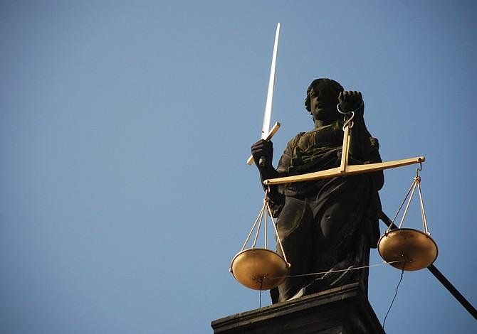 Discutirán una nueva ley sobre distribución de material sexual en MA